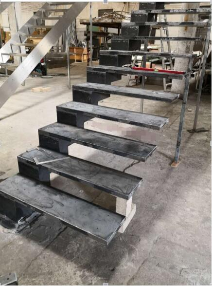 Carbon steel stringer solid wood floating cantilever stairs